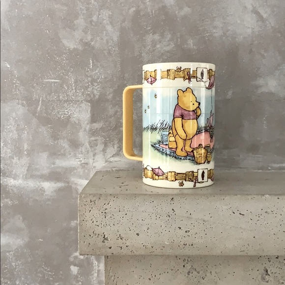90's Disney Pooh Swivel Mug